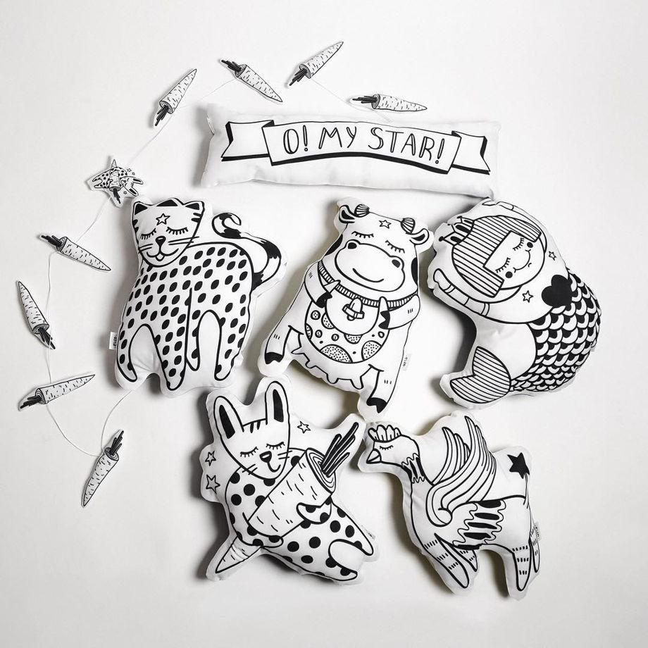 Подушка декоративная Кот «Котомун» из коллекции «O! My star!» - подарок на 14 февраля.