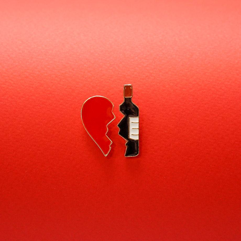 """Значок """"Вино и сердце"""""""