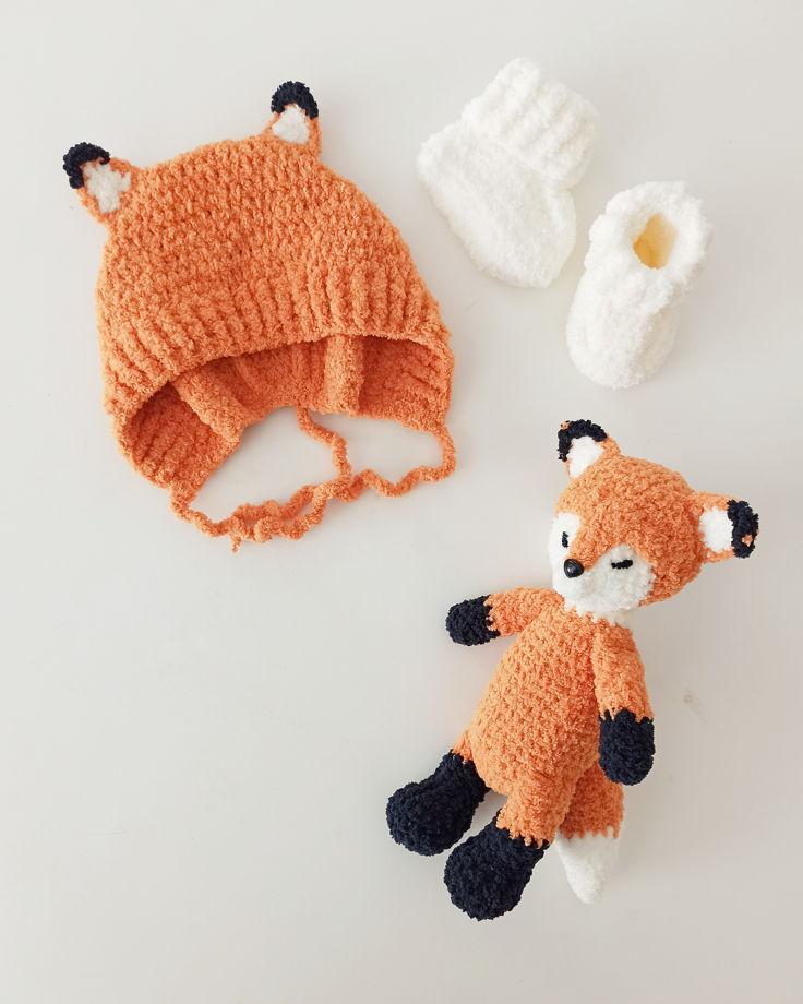 Комплект Лисичка. Комбинезон, носочки, шапочка и игрушка.