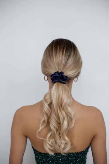 Резинка для волос STANDART из натурального шелка темно-синяя