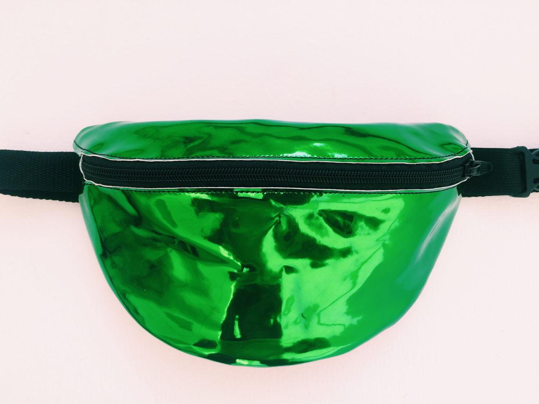 """Поясная сумка Зеленый металлик """"жук"""""""