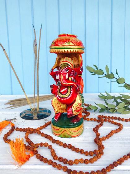 Красный Ганеша из дерева