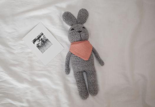 Игрушка вязаная заяц Андрей