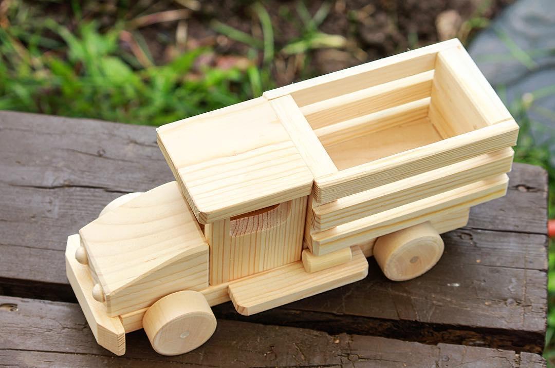Деревянный грузовик УРАЛ