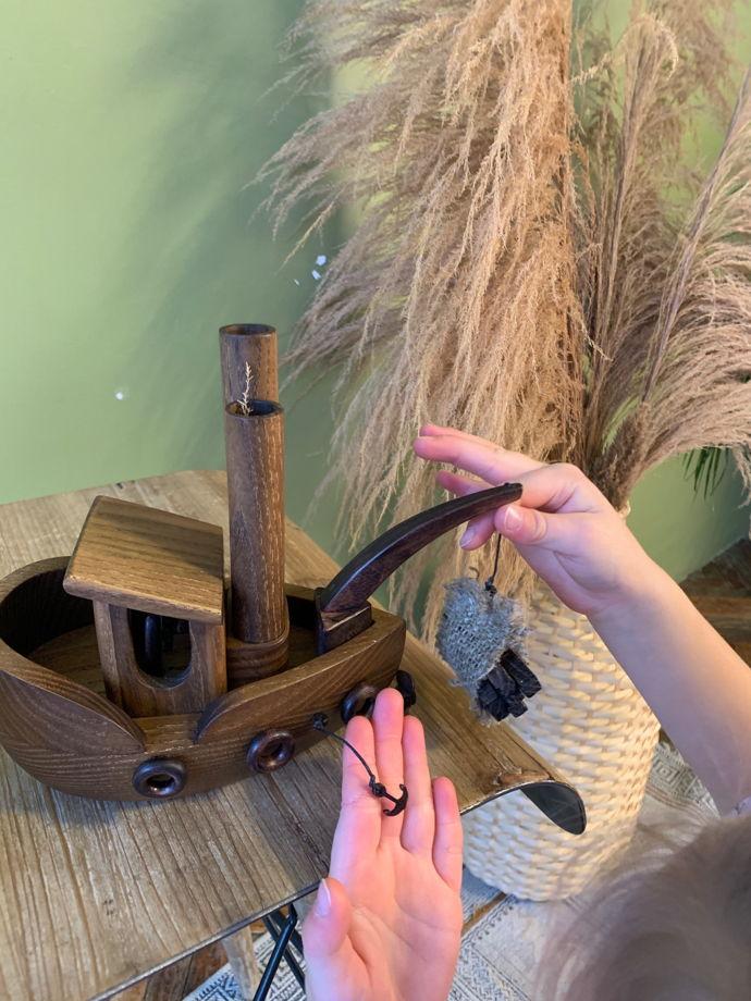 """Деревянная игрушка ручной работы """"Корабль-сухогруз"""""""