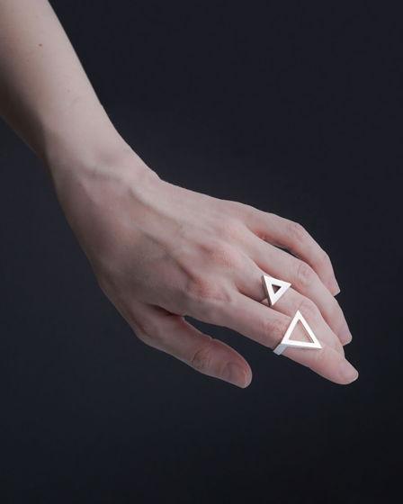 Женское серебряное кольцо ТРЕУГОЛЬНИК БОЛЬШОЙ