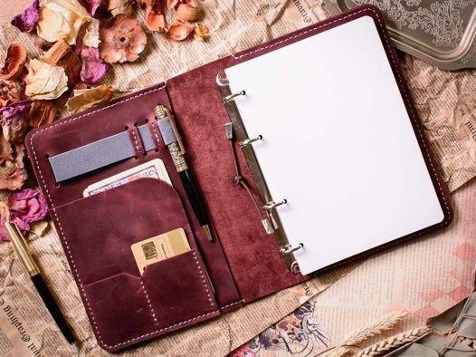 Кожаный блокнот для девушки -LEGACY- на кольцах А5 винного цвета