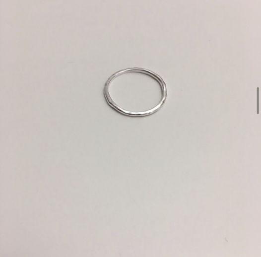 тонкое кольцо-нить Ariadne
