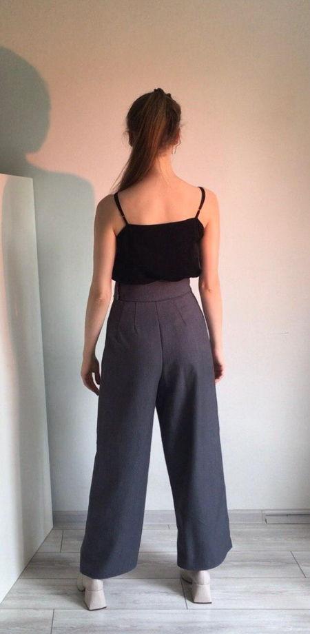 Шерстяные серые брюки по фигуре