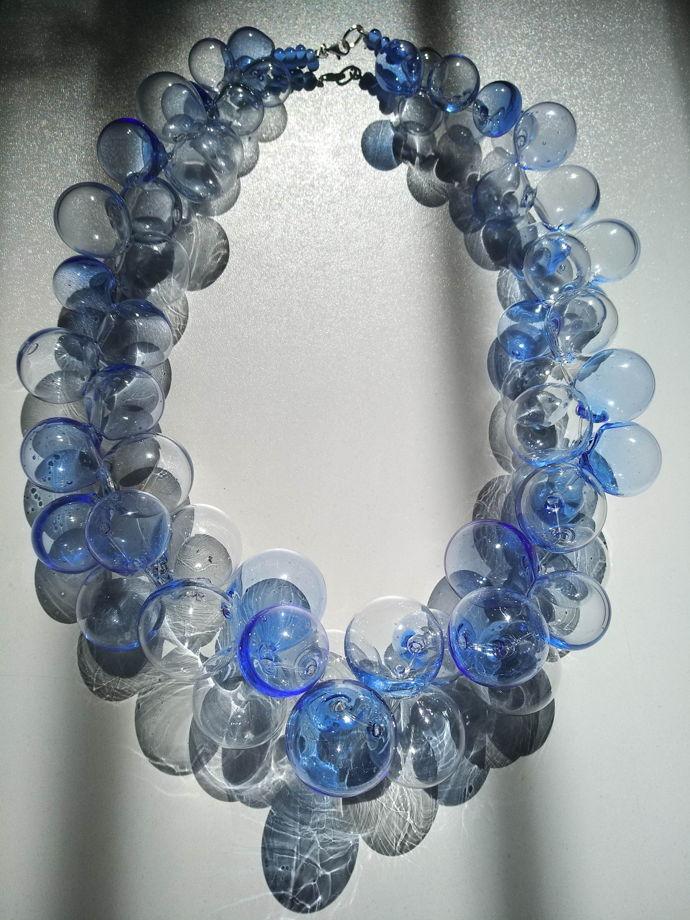 """Ожерелье из стеклянных сфер """"Синий лазурит"""""""