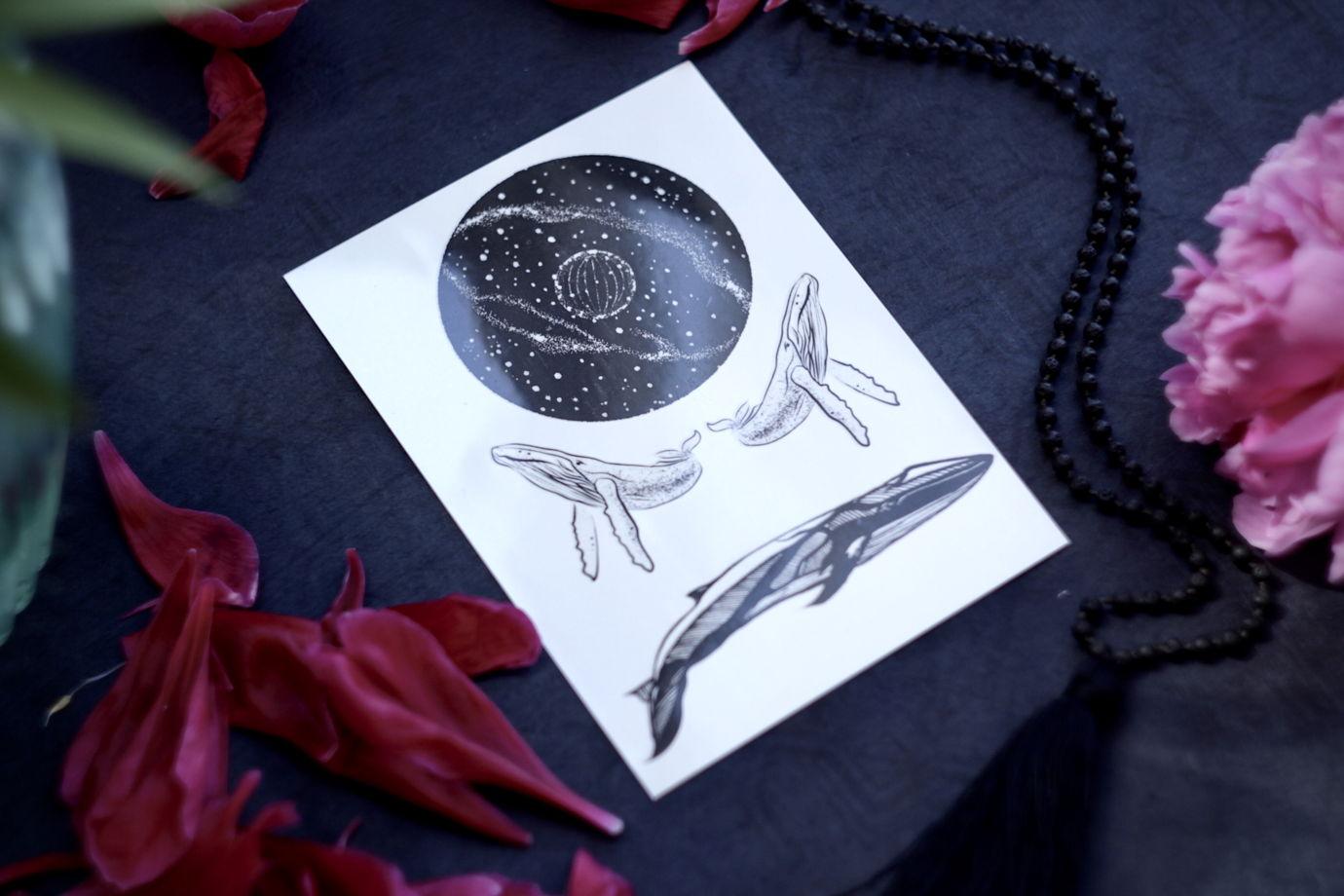 Тату вселенная и киты. Переводные татуировки Як