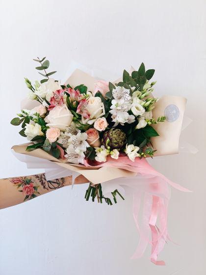 Сборный букет из живых цветов S