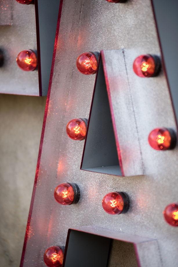 Комплект букв LA c лампами