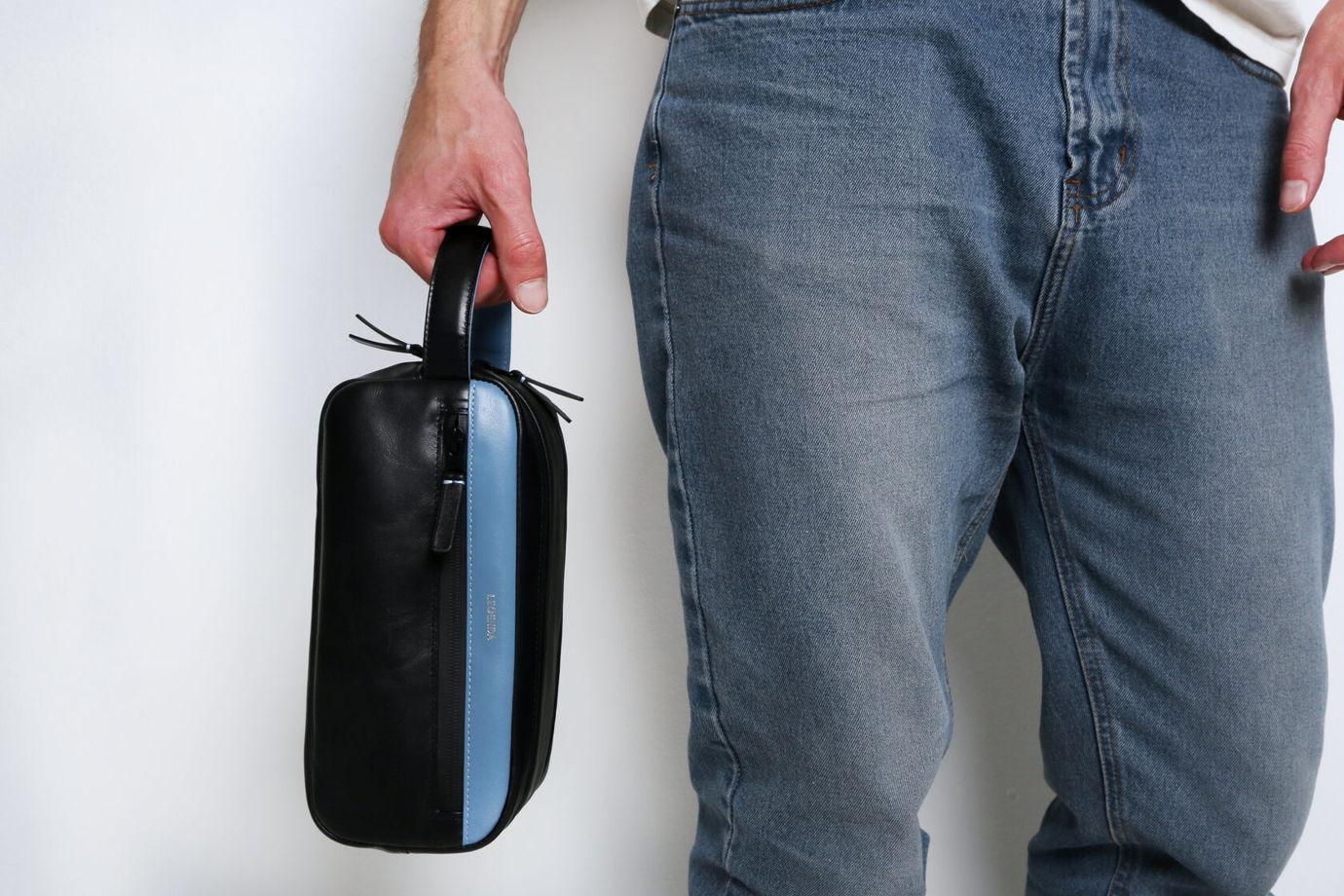 Кожаный несессер с двумя отделениями