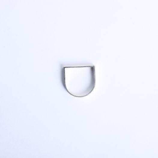 серебряное кольцо D