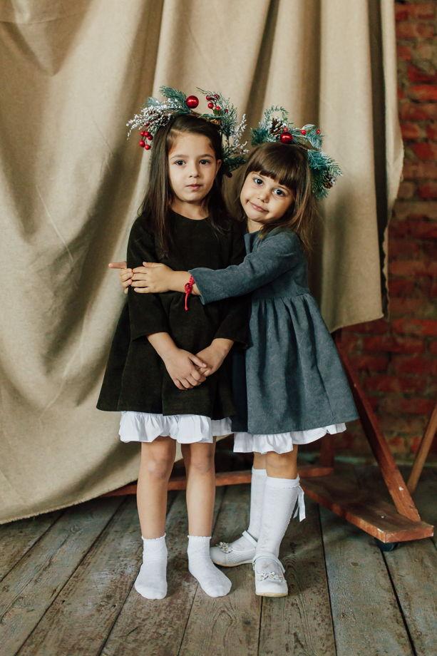 Платье из вельвета со съёмным хлопковым  подъюбником и деревянными пуговицами