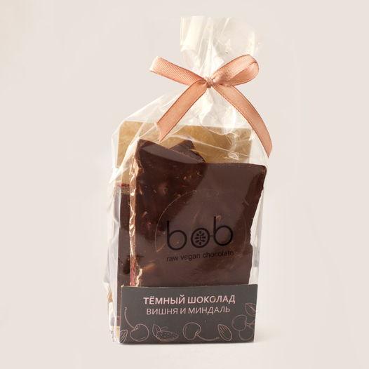 """Шоколад  Подарочный, кусковой """"Тёмный, с пастой из фундука, сушеной вишней и лепестками миндаля"""", 100 гр."""
