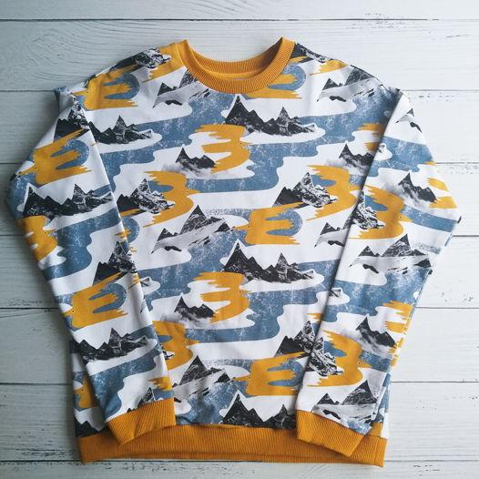 Хлопковый свитшот свободного кроя с авторским принтом птицы в горах