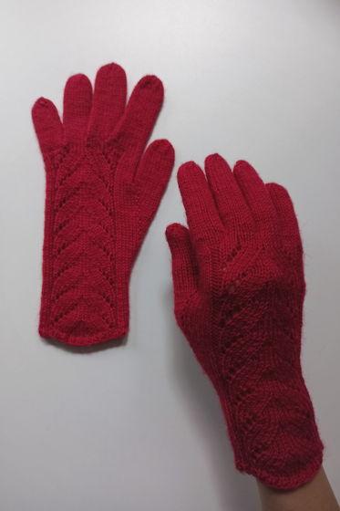 Красные перчатки ручной работы