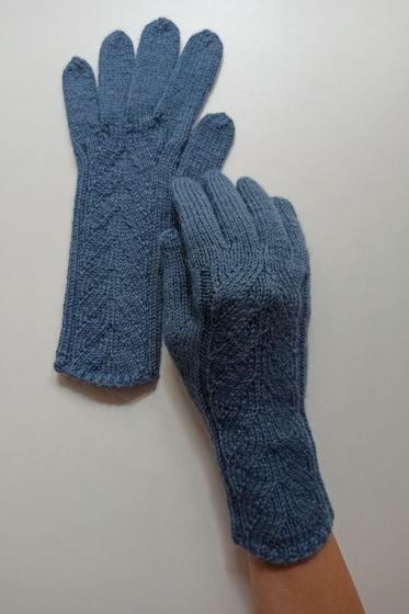 Пепельно-синие перчатки ручной работы