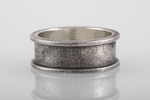 Серебряное кольцо «Скоба», 9мм
