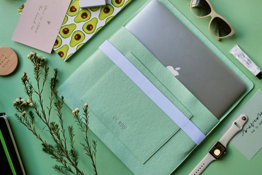 Чехол из фетра для MacBook и ноутбуков, зеленый, горизонтальный с крышкой