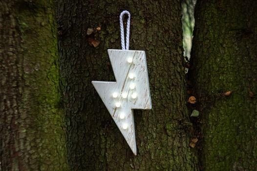 МОЛНИЯ  — Авторский светильник, ночник из дерева ручной работы