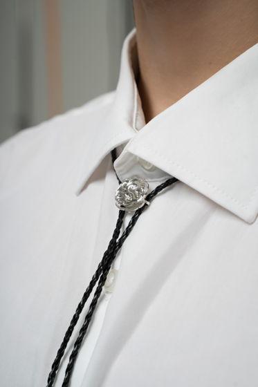 Серебряный галстук боло