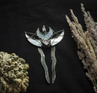 Изящный Гребень с Полумесяцами и кристаллом кварца