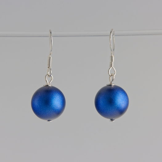 Серьги-крючки с искусственным жемчугом синего цвета, серебро