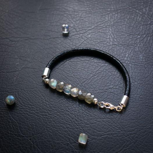 Кожаный браслет с лабрадоритом