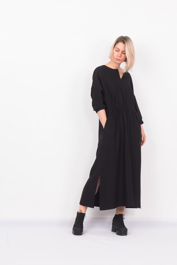 Платье макси с разрезами