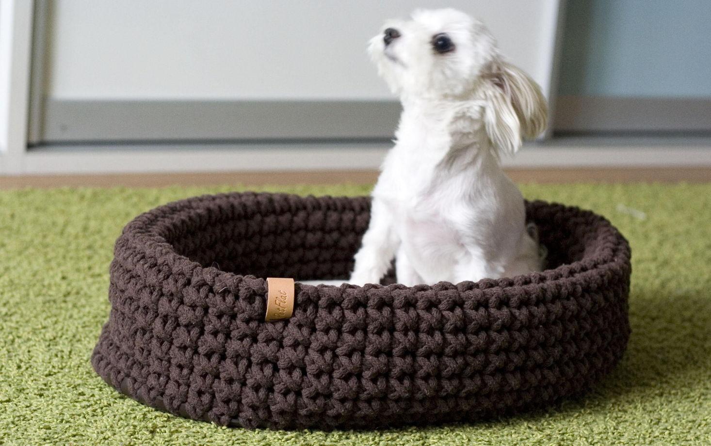 Шоколадная корзинка для животных из хлопкового шнура