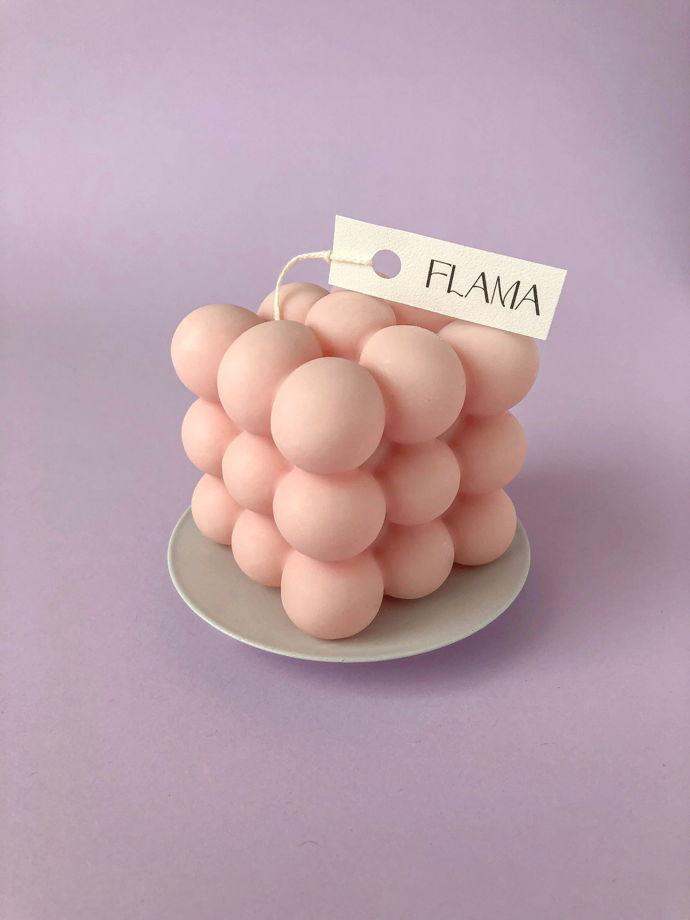 Свеча соевая розовая в форме куба (бабл) для интерьера, подарка и декора дома ручной работы Flama