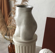 Скульптурная ваза Галатея белый мрамор