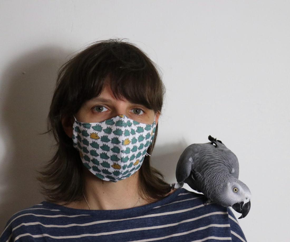 """Защитная многоразовая маска для лица с авторским дизайном """"Белые ежики"""". Хлопок 100%."""