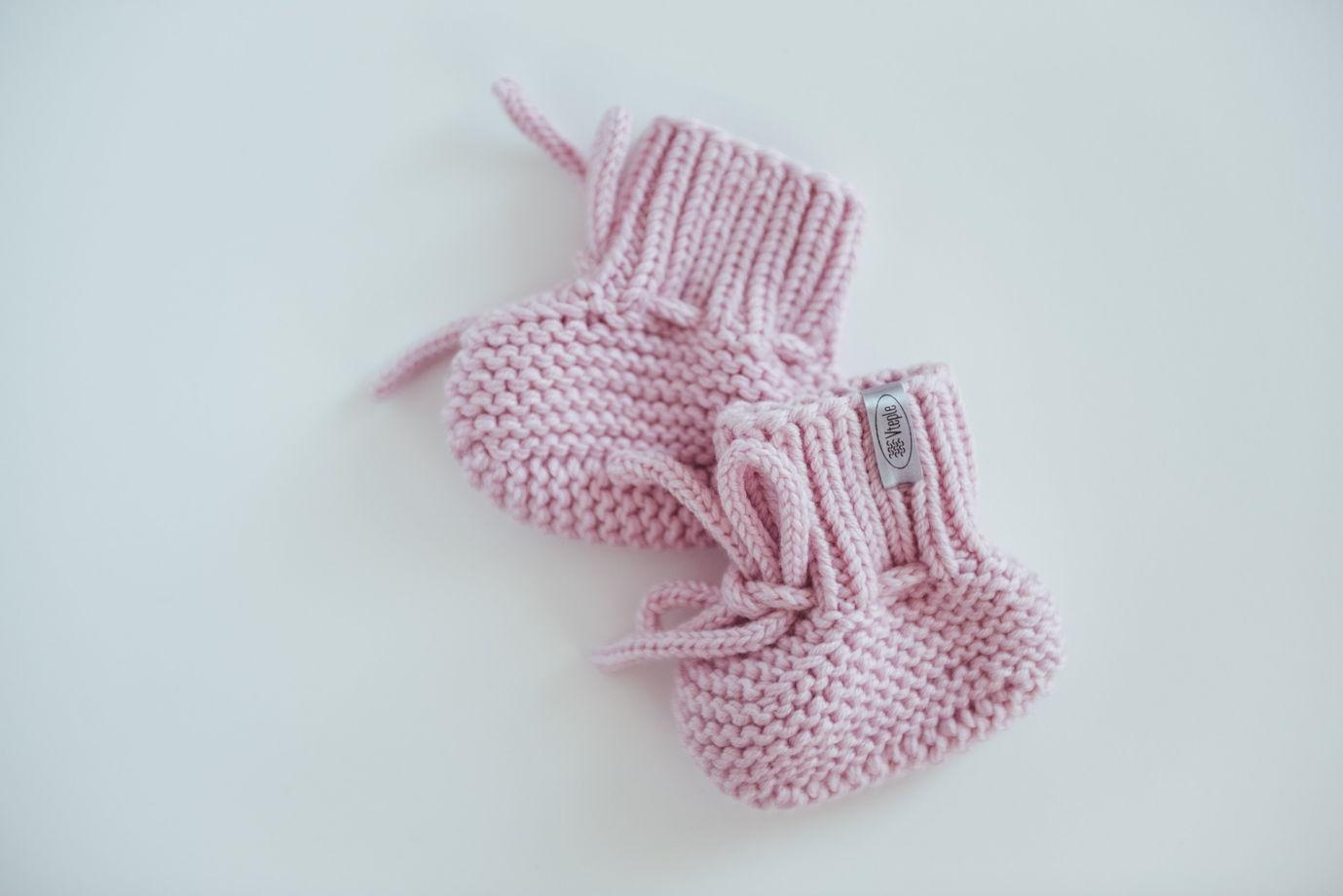 Розовые вязаные пинетки для новорожденных из 100% мериноса ручной работы