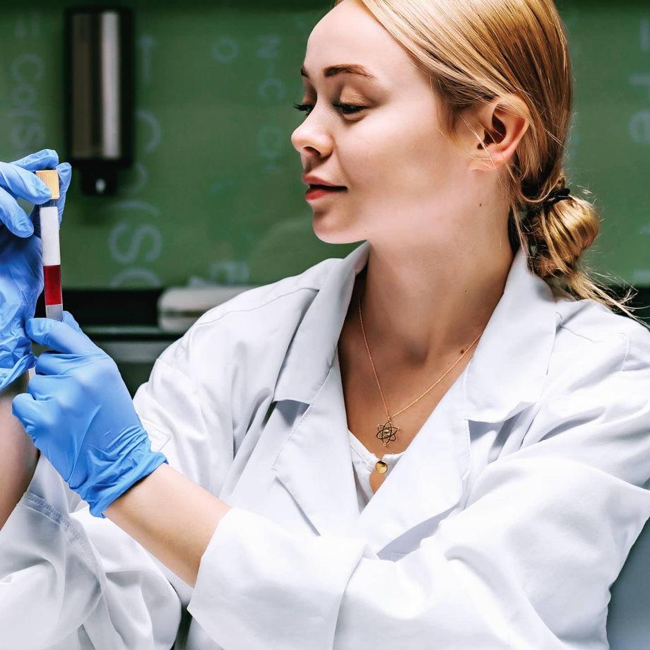 Серебряная подвеска Протон для Физиков и Ученых